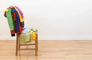 Tipps zur Pollenallergie - Straßenkleidung im Schlafzimmer ein No Go